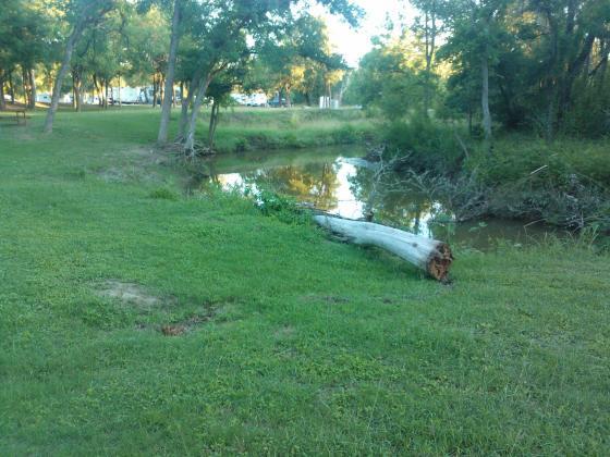Private Medio Creek