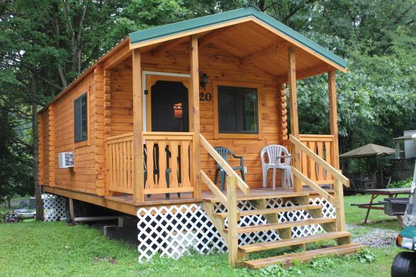 Deluxe and Premium Cabin Rentals