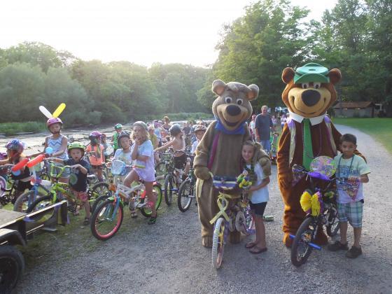 Kids Bike Parade along the Little Salmon River