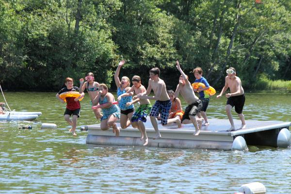 All of your favorite lakeside activities are ready and waiting for you and the family to jump into the summer fun at Keen Lake Resort.