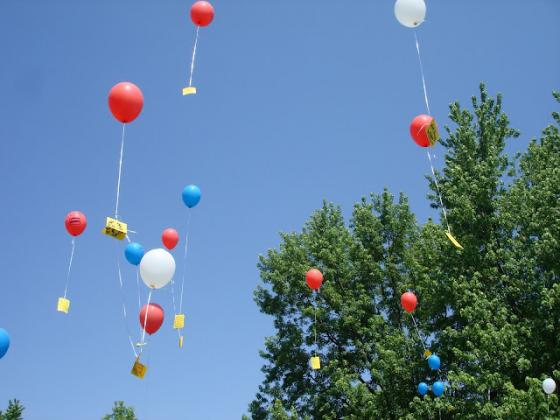Letters to the Troops Balloon Release