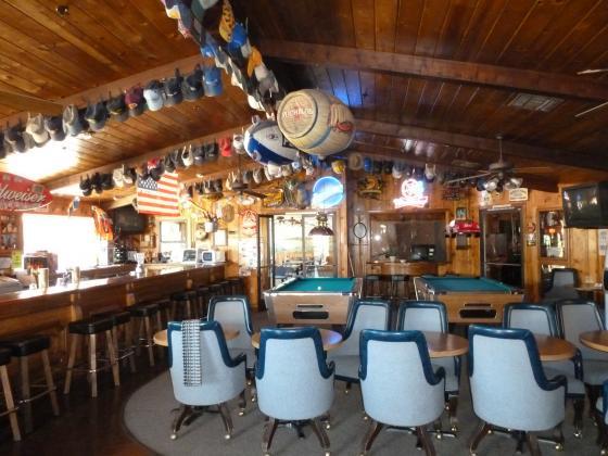 Lounge at Lakeshore Inn & RV Shasta Lake