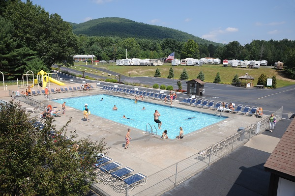 2 Outdoor Pools and 2 Outdoor Kiddie Pools