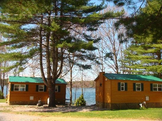 Lakefront Cabin Rentals, HD Cable TV, Internet, Full Kitchen & Bathroom
