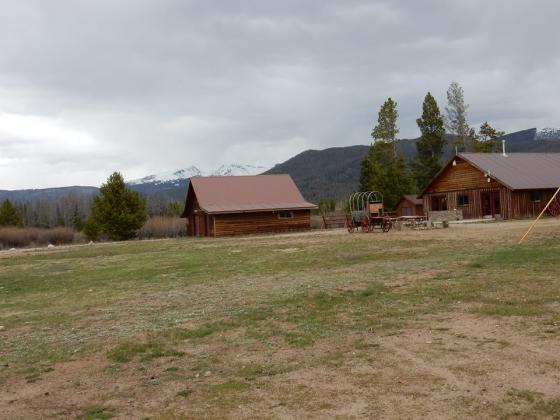 Rent a cabin and enjoy nature at Winding River Resort Village in Grand Lake
